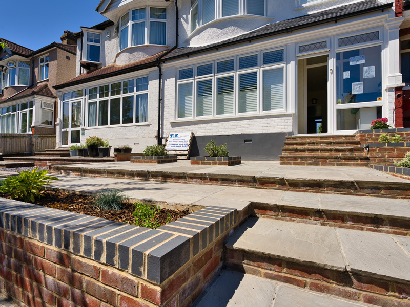 raised-front-paved-patio-steps-bromley-img